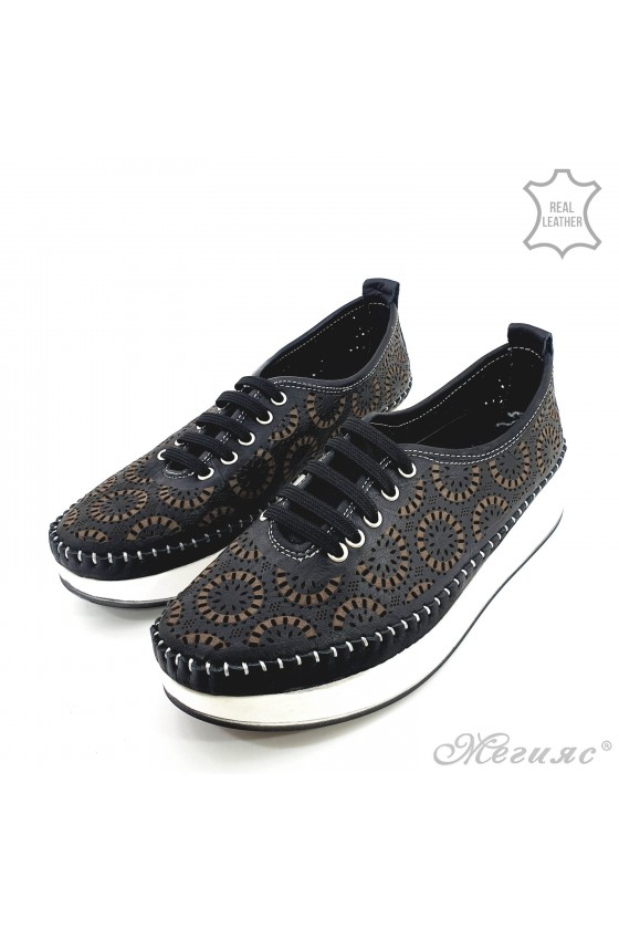 Lady shoes black leather 83