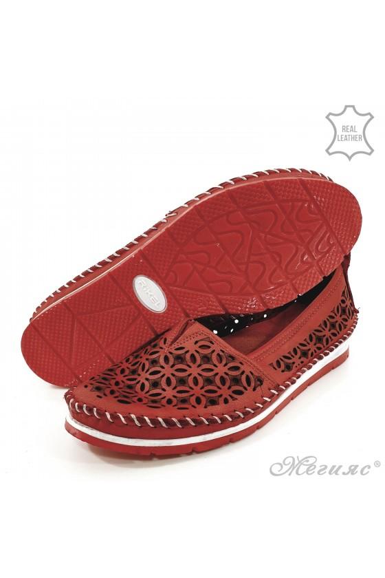 Дамски обувки от естествена кожа червени 68
