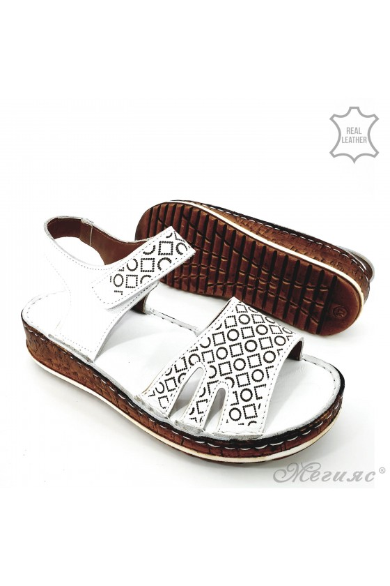 Lady sandals white leather 205