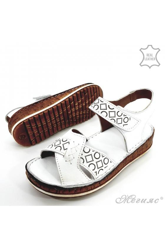 Дамски сандали от естествена кожа бели 206