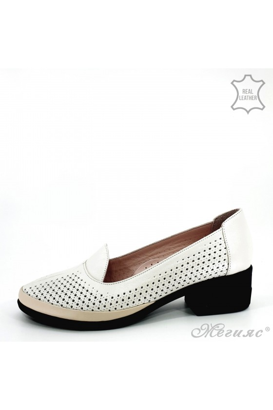 Lady shoes beige leather  M-06