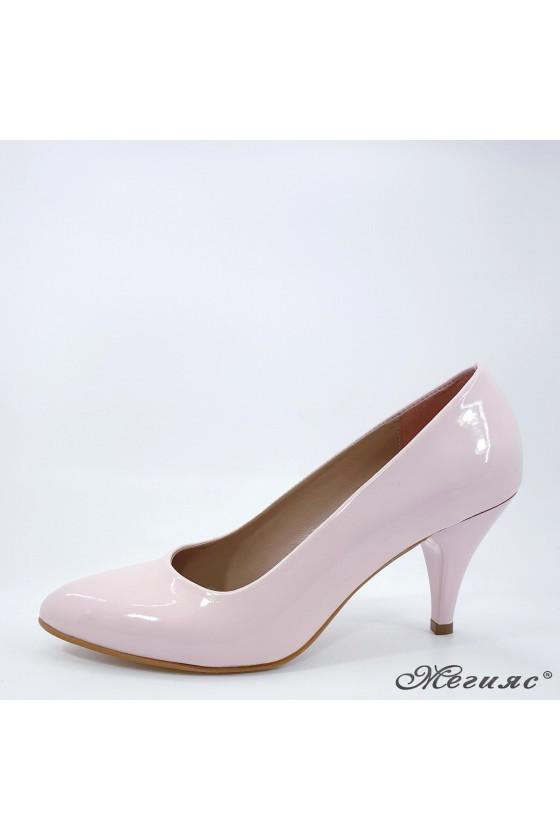 Дамски обувки 700 пудра лак елегантни среден ток остри