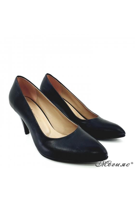 Women elegant  shoes 700 black middle heel pu