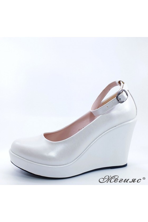 Lady shoes white pearl 0215