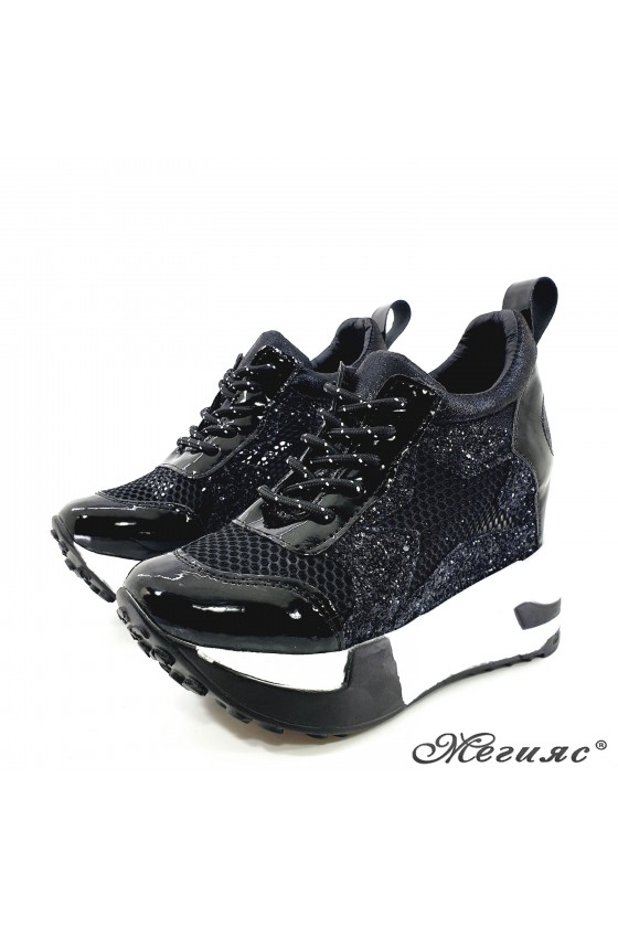 Lady shoes black shine with high platform 005