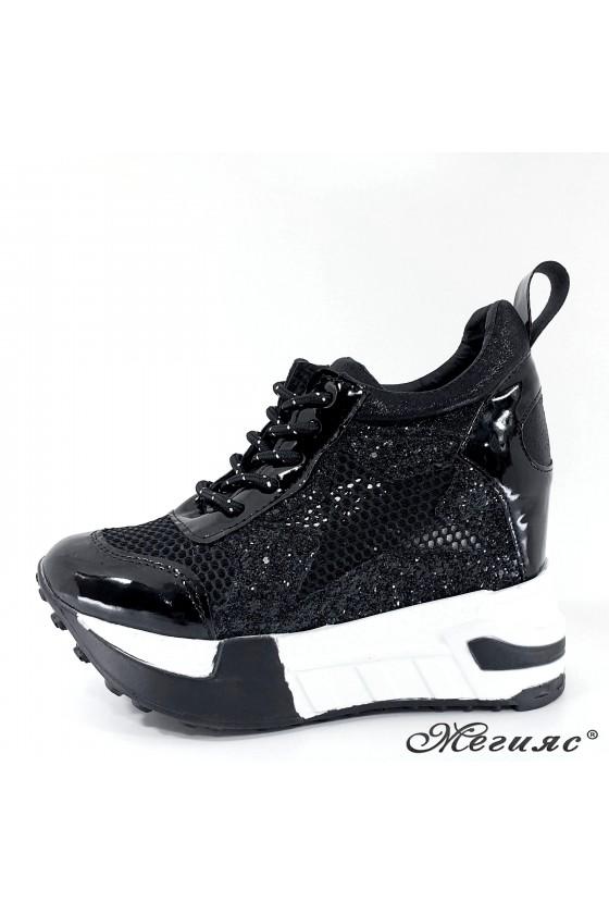 Дамски обувки на платформа черни 005