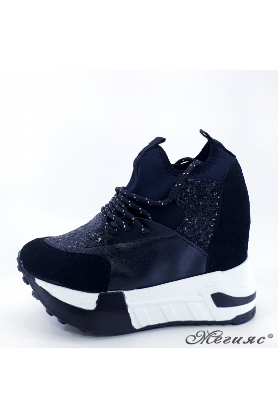 Lady shoes black pu with...