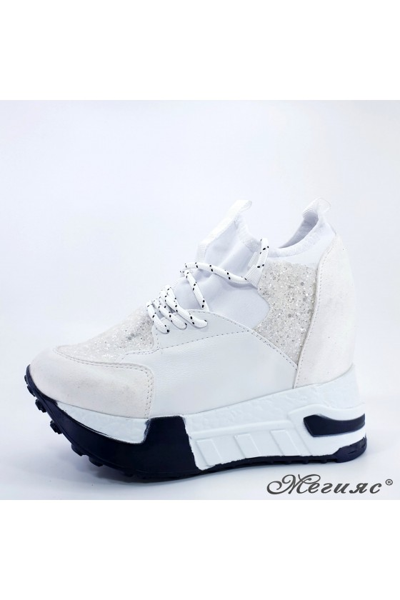 Lady shoes white pu with...