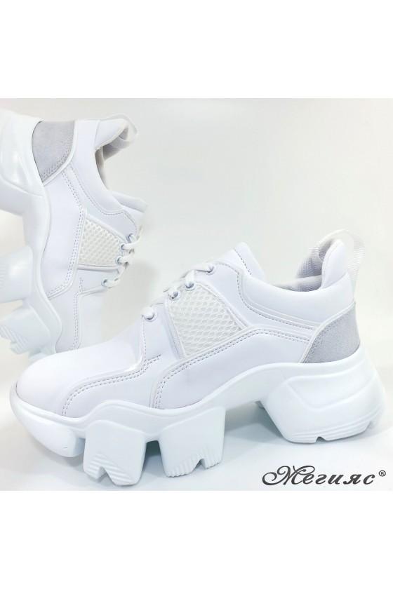 Дамски обувки бели 0428
