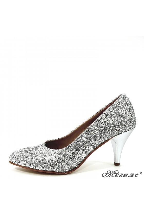 Дамски обувки от брокат...
