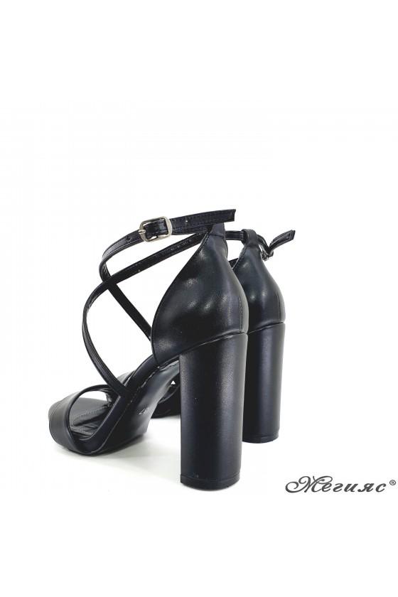 Lady sandals black 107