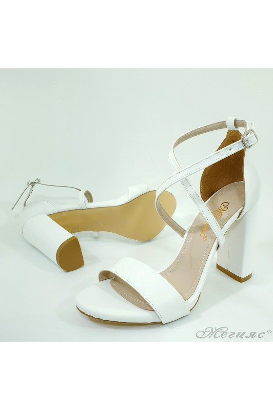 Lady sandals white pu with high heels 107
