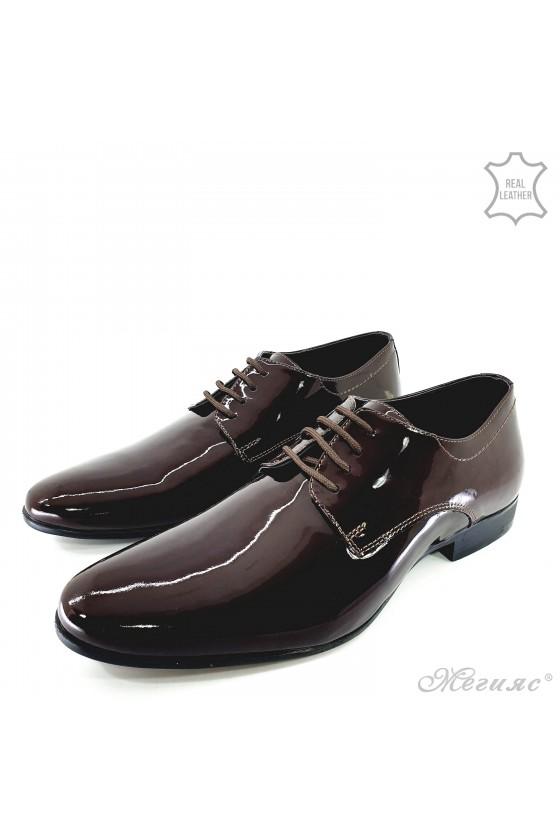 Мъжки обувки от естествен лак бордо 8060