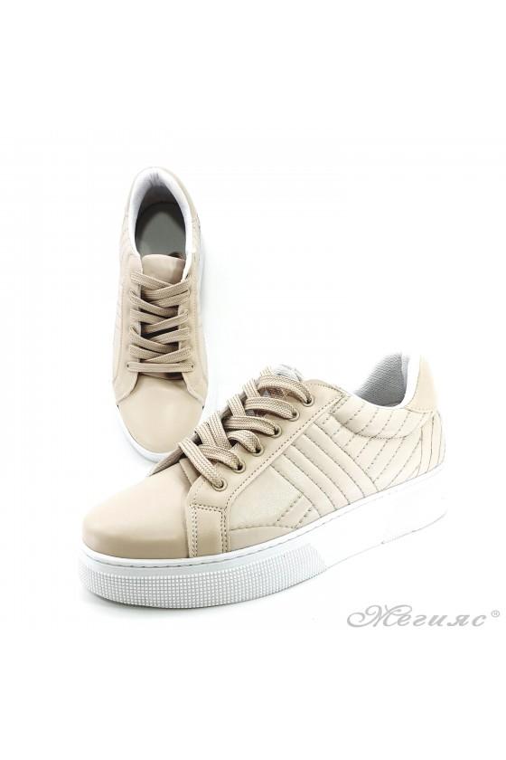 Дамски спортни обувки бежови еко кожа 3137