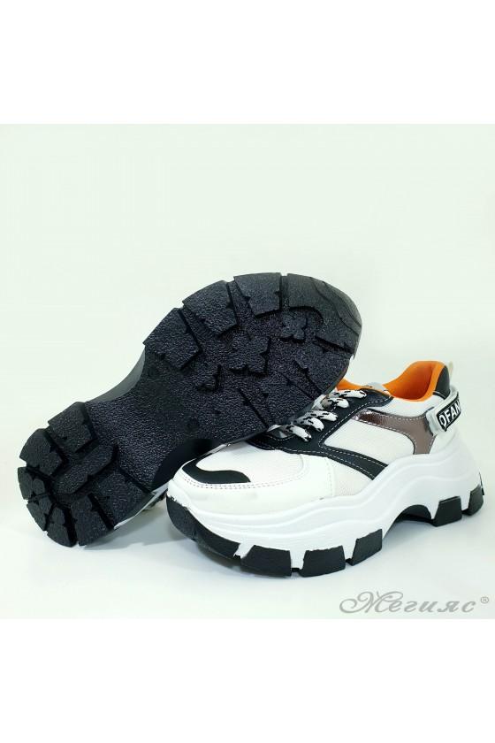 Дамски спортни обувки еко кожа бяло с черно 3132
