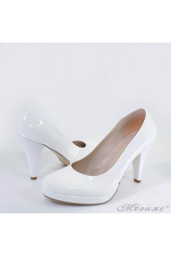 Lady shoes white shine 520