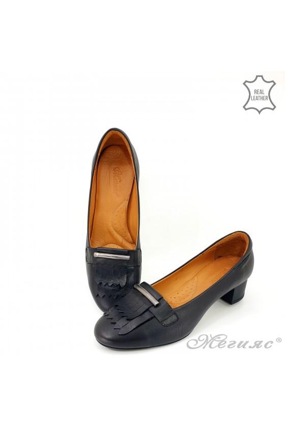 Дамски обувки естествена кожа на ток черни 3014