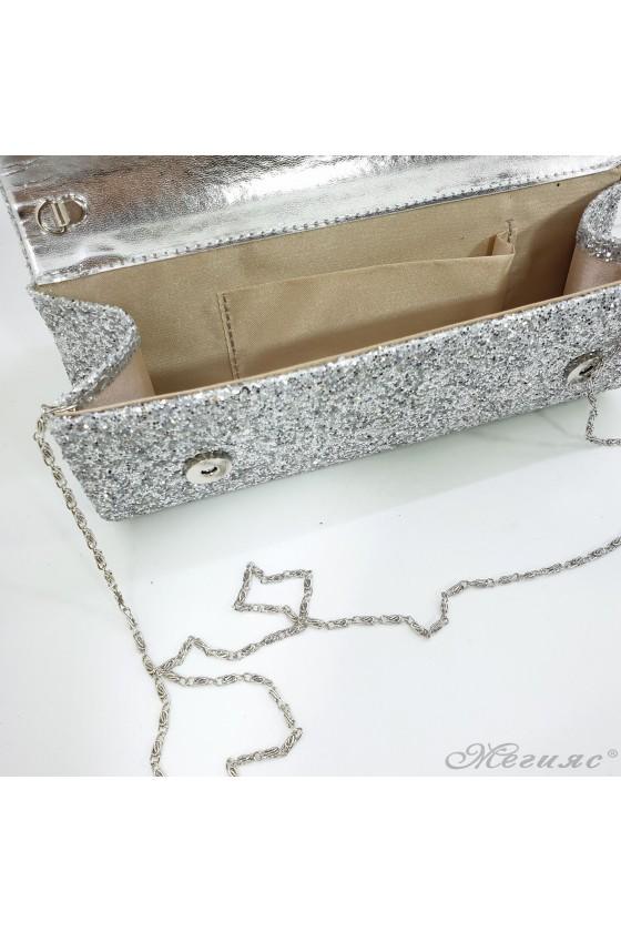 Дамска чанта от едър брокат сребърна 373