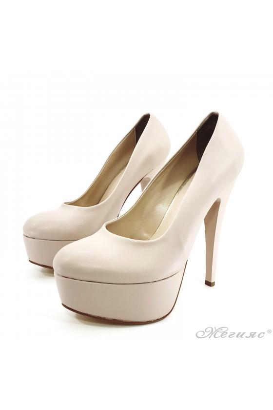 Дамски обувки на ток от еко кожа бежови 51
