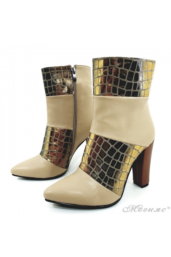 47715 Lady elegant boots beige with gold pu