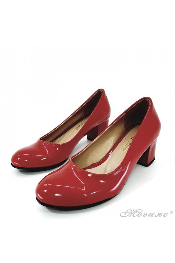 Дамски обувки на ток от лак червени 903