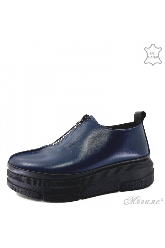 Lady shoes blue leather...
