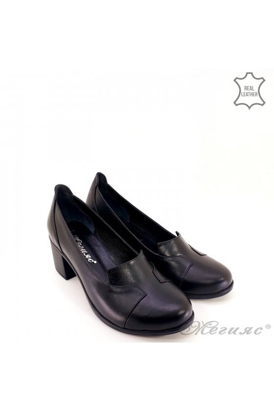 Дамски обувки на дебел ток естествена кожа черно 314-k