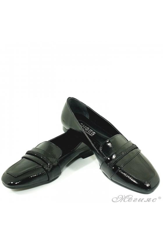 Ниски дамски обувки черни 1101