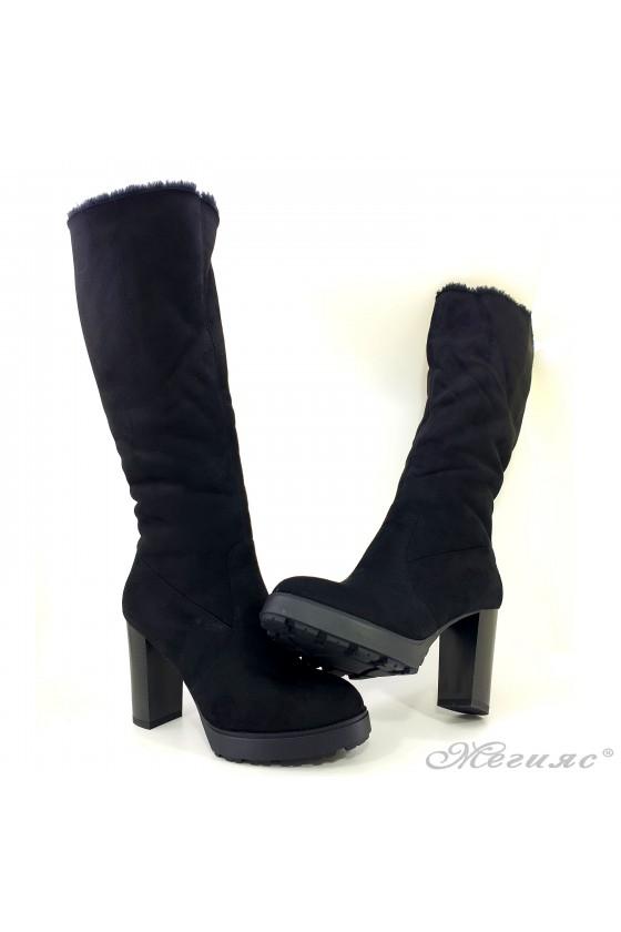 Дамски ботуши на ток черни