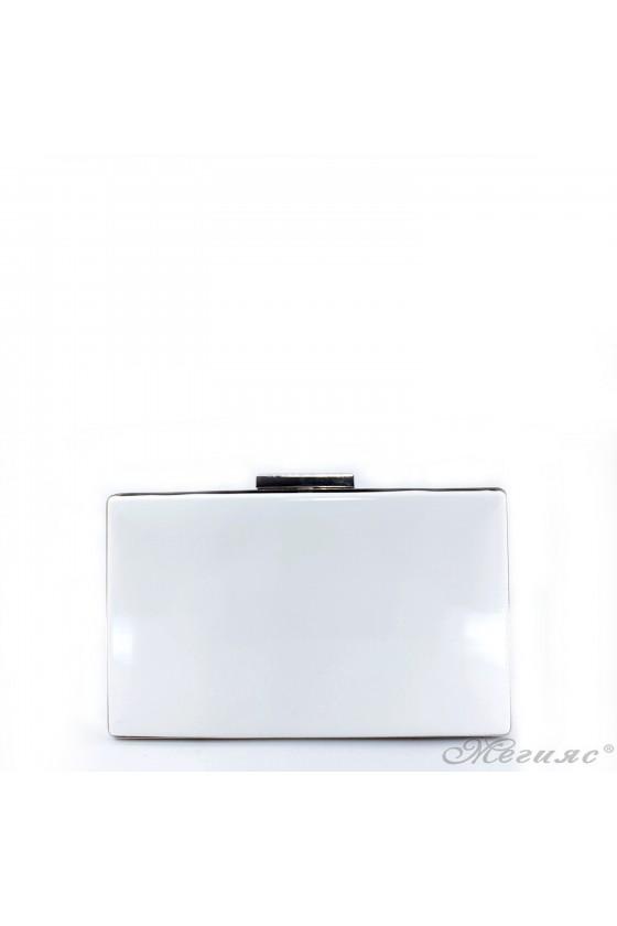 Дамска чанта бял лак 5560
