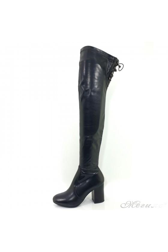 Дамски чизми на ток черни...