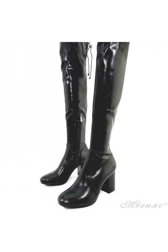 Дамски чизми на ток черни Carol 18-2074