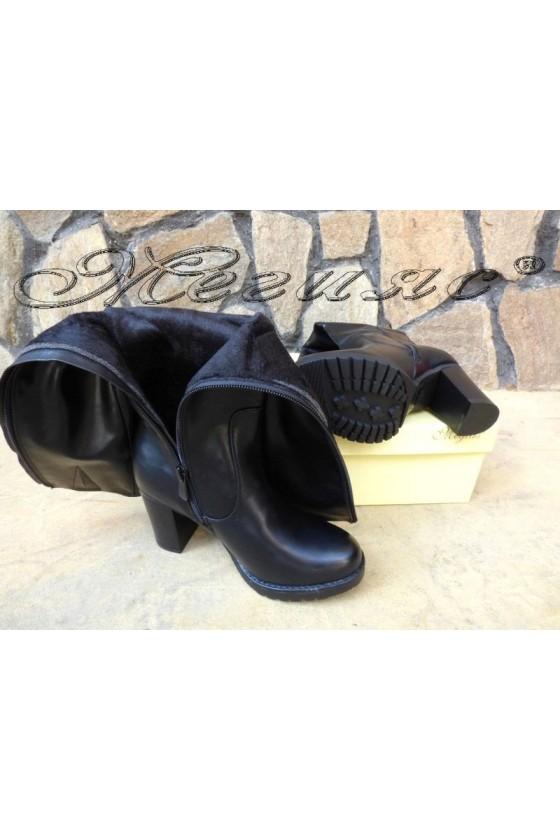 Дамски ботуши CASSIE 19-1461 черни на широк ток от еко кожа