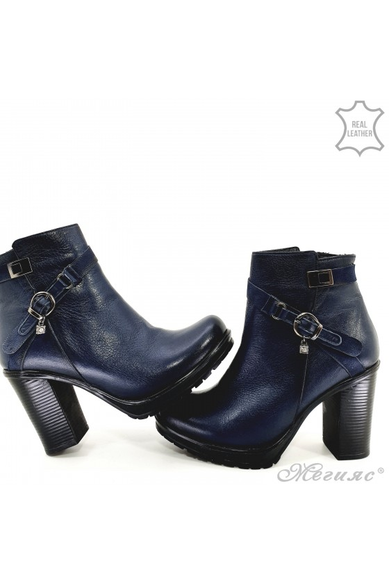910-1 Women boots blue leather