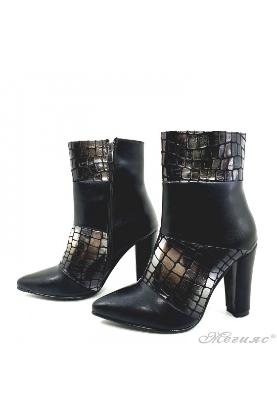 47715 Lady elegant boots black  with silver pu