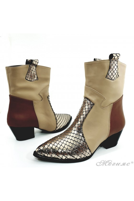 Lady boots with heels beige 47713