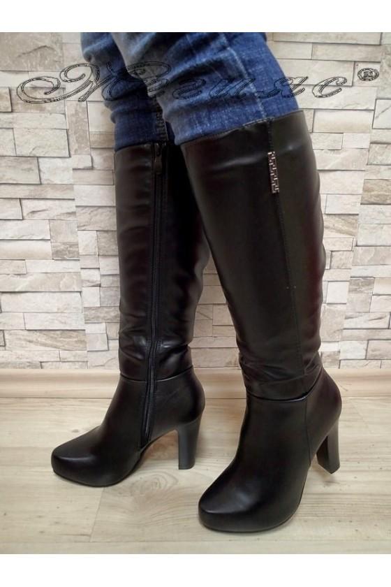 Дамски ботуши черни от еко кожа с висок ток 20W17-63