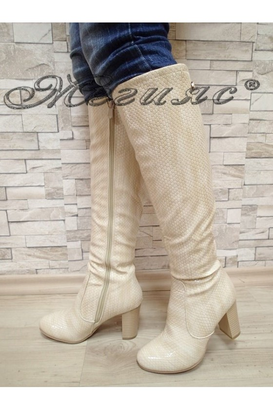 Дамски ботуши на дебел ток  бежови от еко кожа 20W17-51