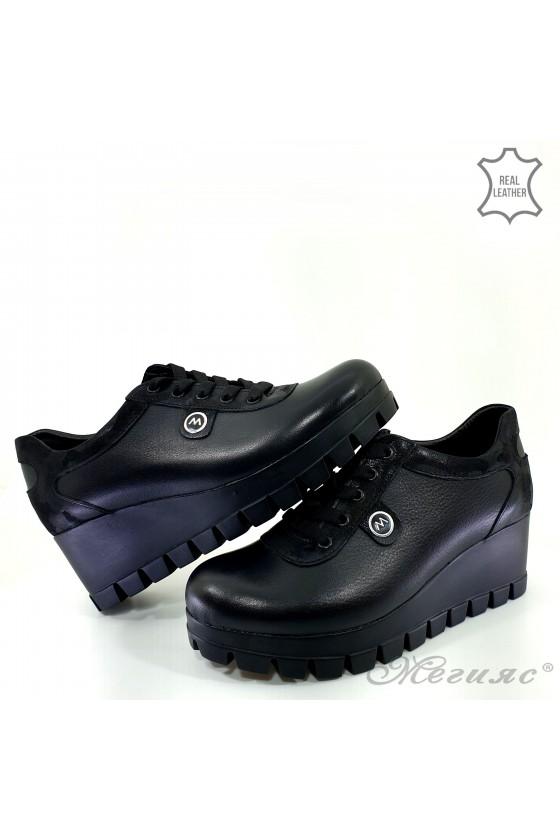 Дамски обувки естествена кожа на платформа черни 116-272