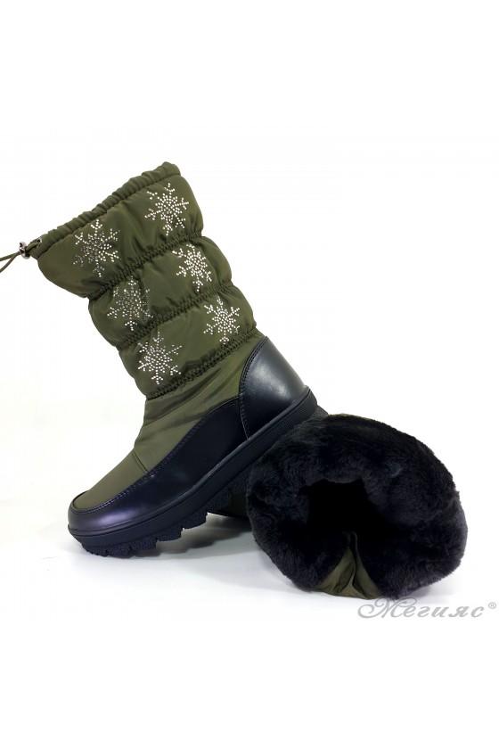 19-1315 Women boots green