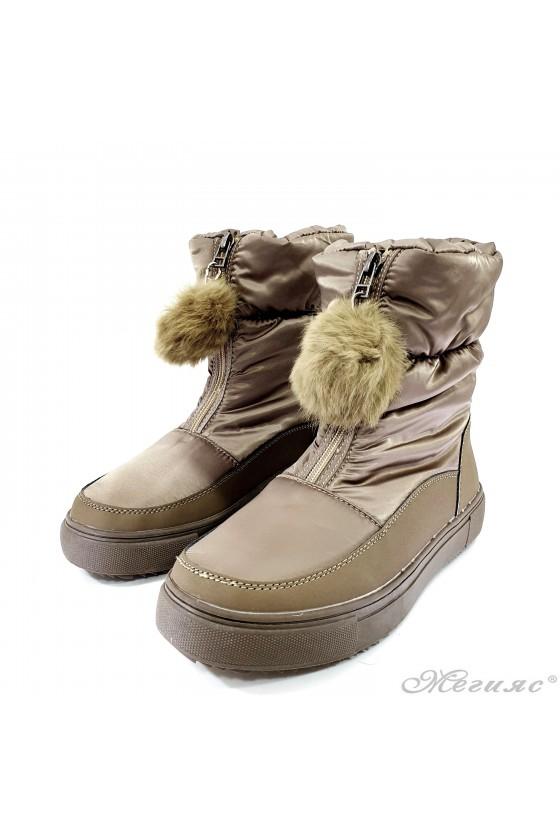 19-1316 Women boots beige