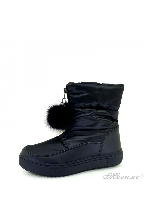 19-1316 Women boots black